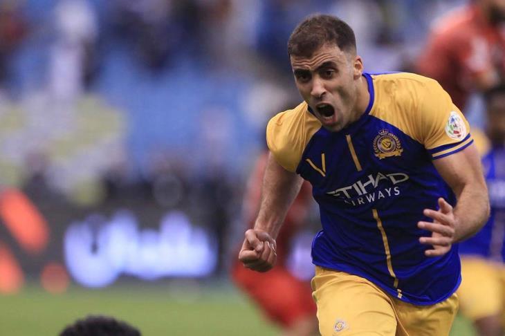 صورة حمد الله ينتقل إلى الدوري الإنجليزي