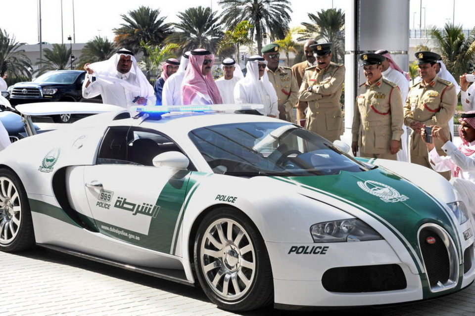 صورة الإمارات تطرد 300 ضابطا مغربيا