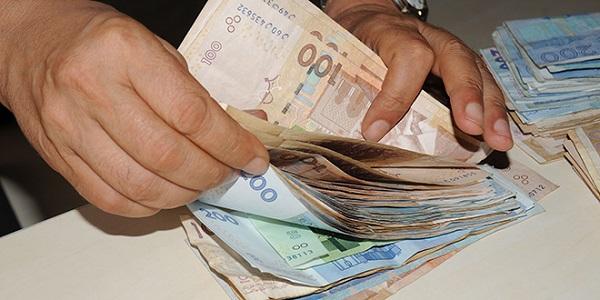 صورة بادرة .. شغيلة القطاع العام تساهم بأجرة 3 أيام من راتبها على مدى ثلاثة أشهر لفائدة صندوق مكافحة كورونا