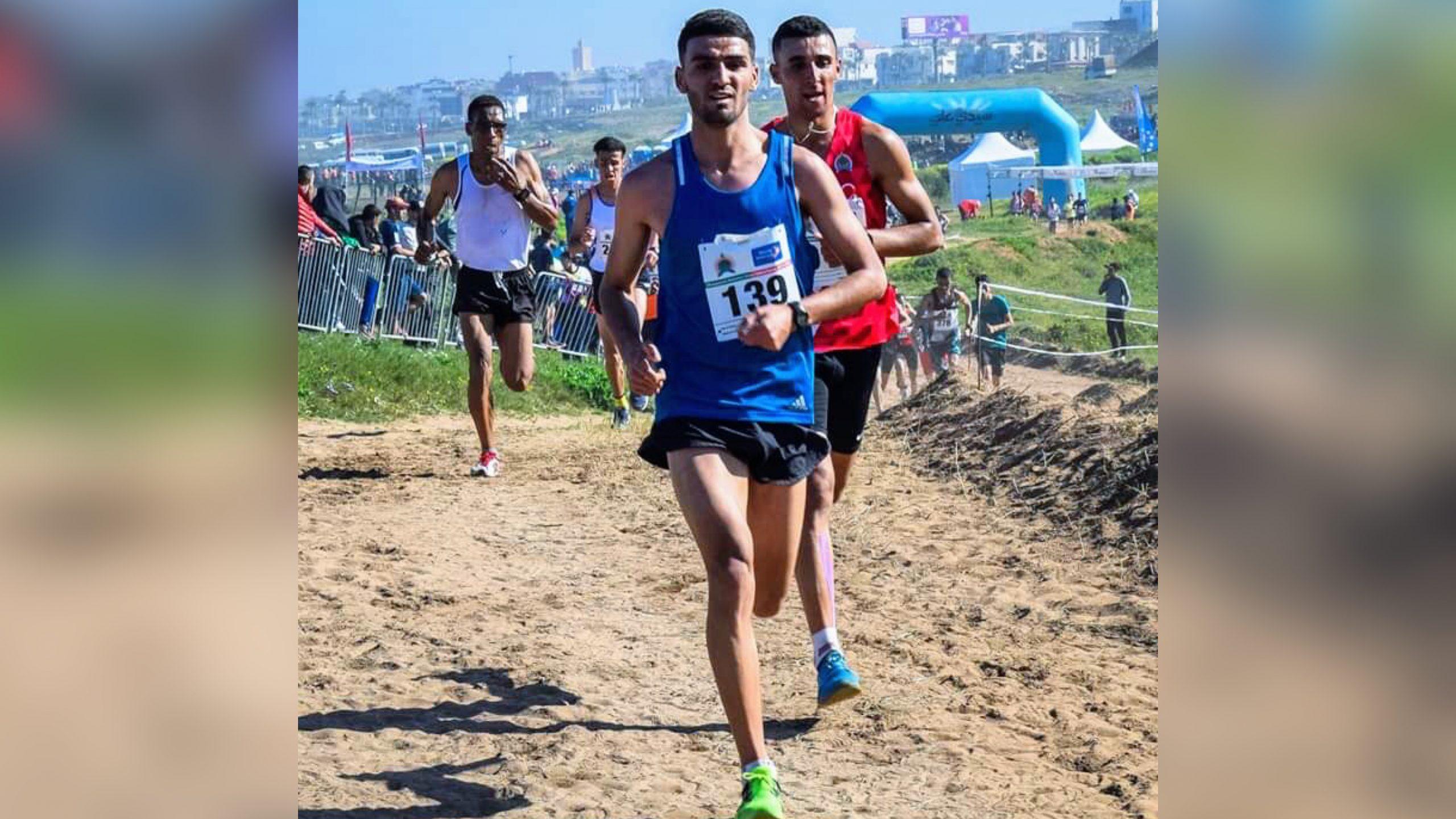 صورة عداء سوسي واعد يحلم برفع راية المغرب دوليا وهذه رسالته للمسؤولين
