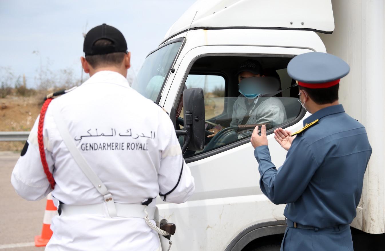 صورة توقيف شاحنة على متنها 34 كسابا وبعد إخضاعهم لإختبار كورونا كانت النتيجة صادمة !