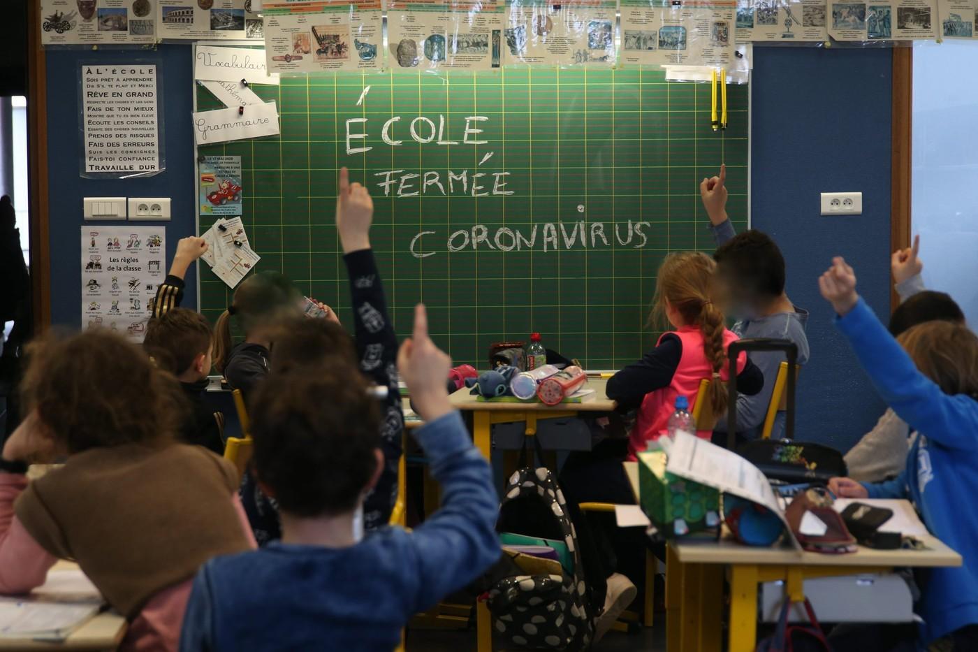 صورة فرنسا تغلق 22 مدرسة بعد إصابة تلاميذ ومعلمين بكورونا