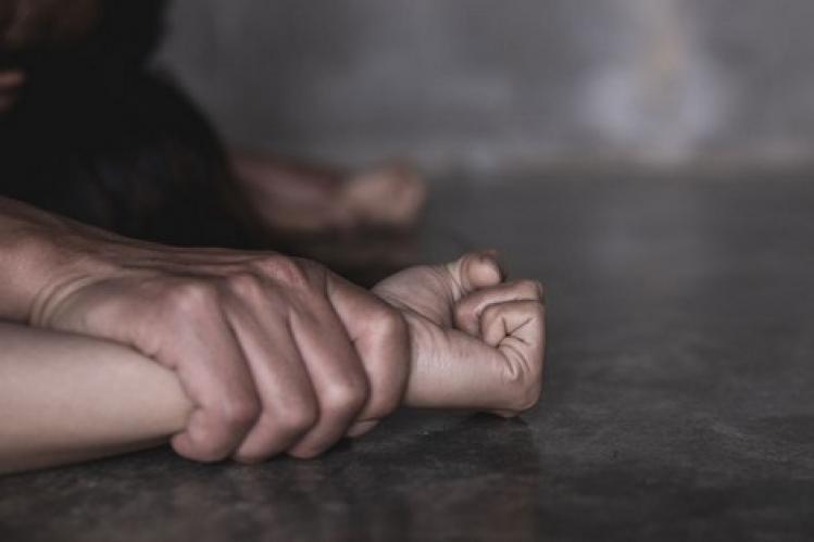 صورة اغتصاب جماعي لطفلة  يهزّ اشتوكة آيت باها