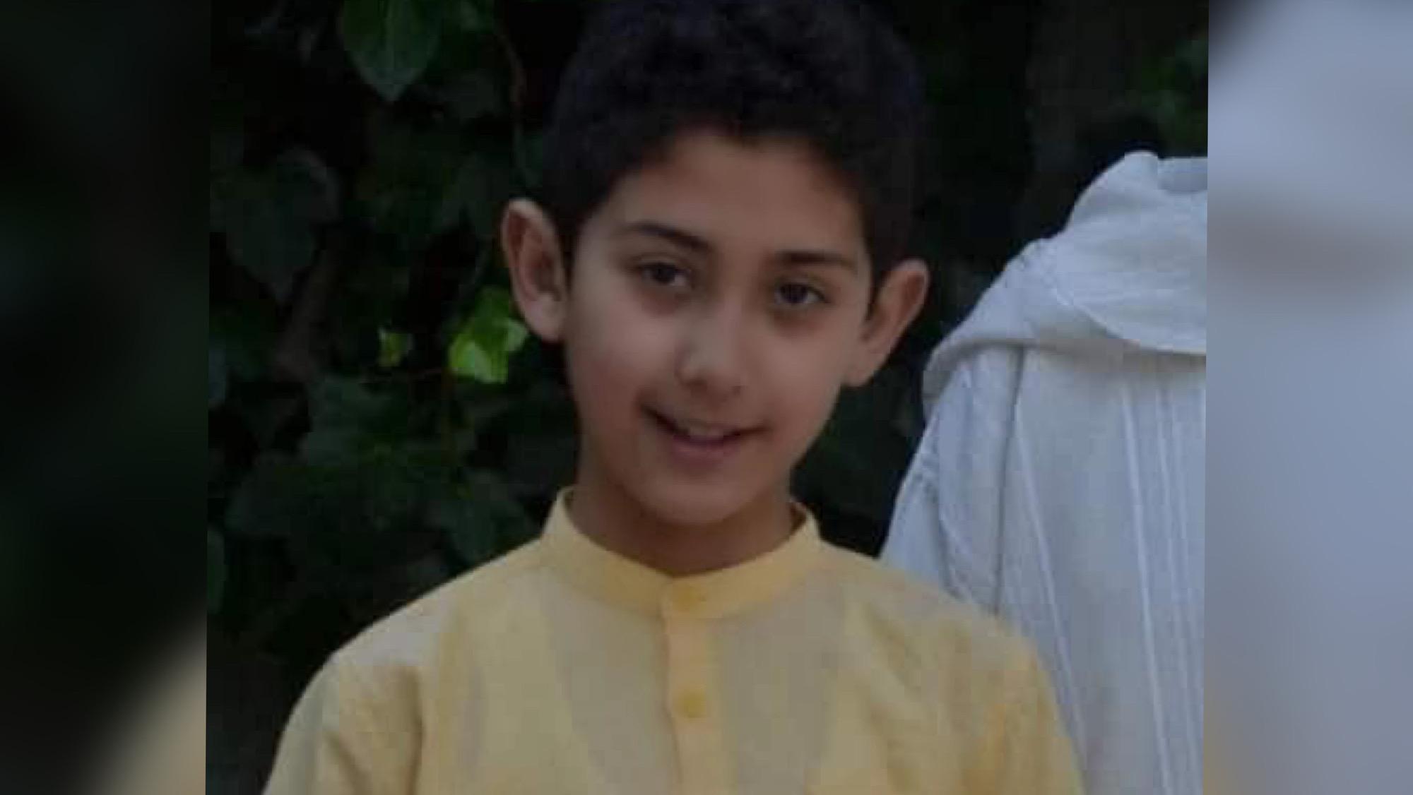 """صورة منح  الطفل عدنان  لقب """"شخصية الأسبوع """" في قناة الجزيرة"""