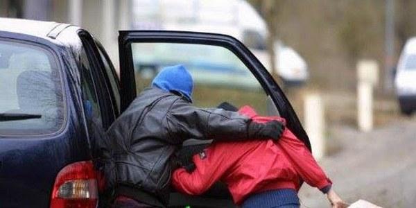 صورة أيت ملول | مواطنون يحاصرون شخص متلبس بمحاولة اختطاف طفل قاصر