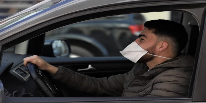 صورة ارتداء الكمامة داخل السيارة .. مديرية الأمن تحسم الجدل