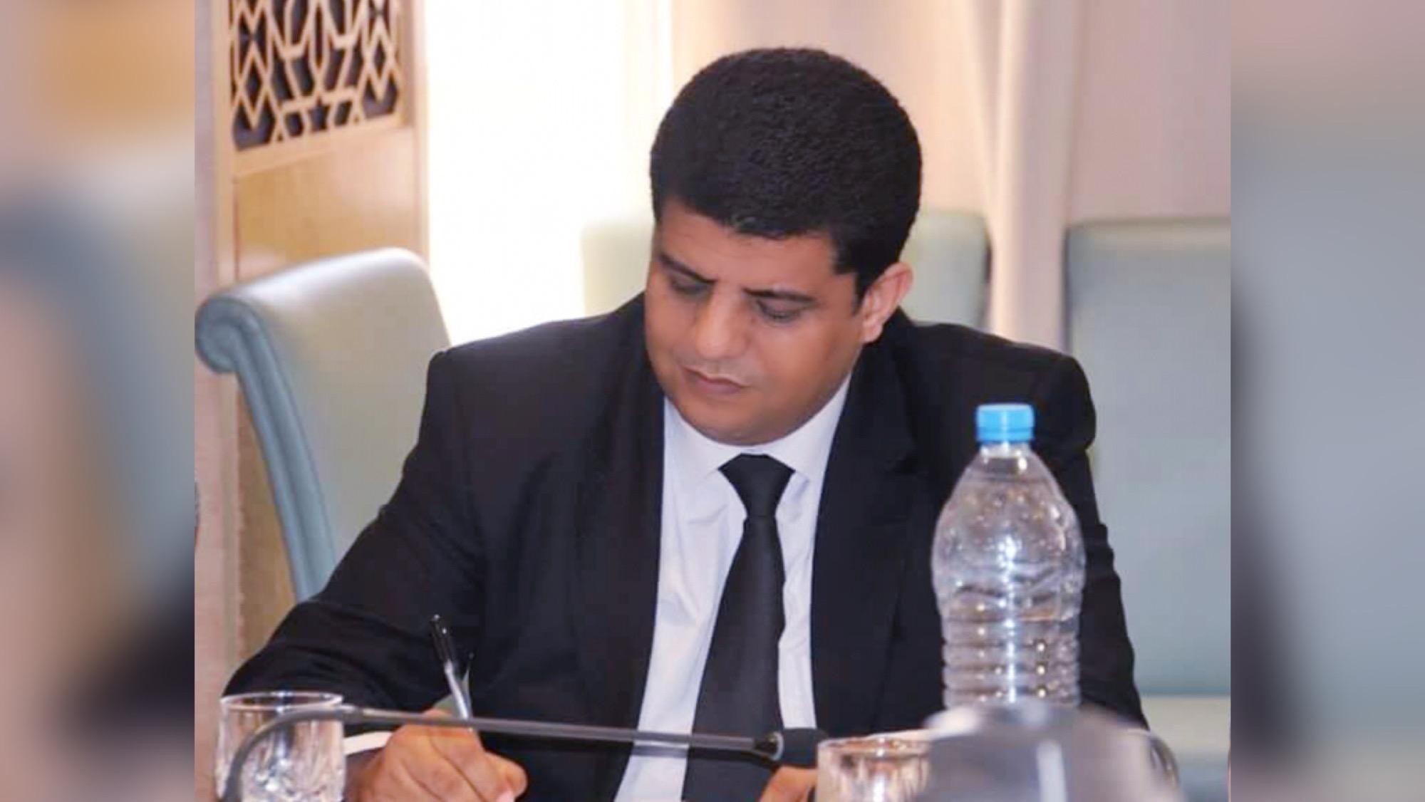 صورة نائب برلماني ورئيس جماعة يجر مدونا إلى القضاء بإيموزار