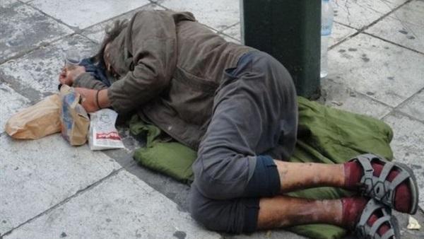 صورة وفاة عدد من المشردين في ظروف غامضة بتطوان!