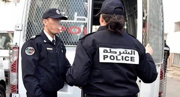 صورة توقيف شرطية هاجمت على منزل رئيسها المباشر