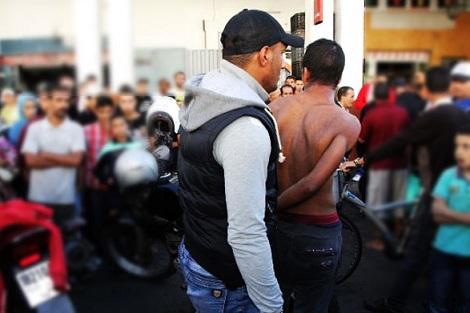 """صورة توقيف """"ولد الحوزي"""" بتهمة الضرب والجرح والاعتداء على عناصر الأمن بأولاد تايمة"""