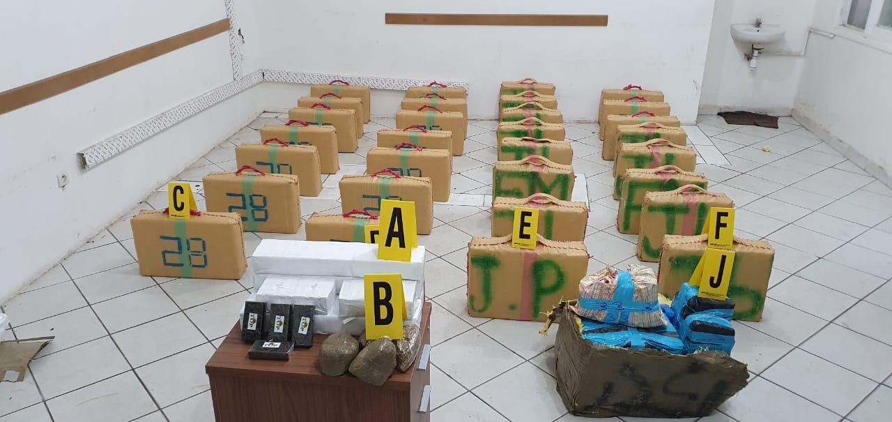 صورة أكادير| توقيف شخص متورط في تهريب 800 كلغ من مخدر الشيرا