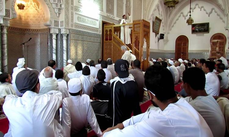 صورة التوفيق يفرض خطبة موحدة لصلاة الجمعة