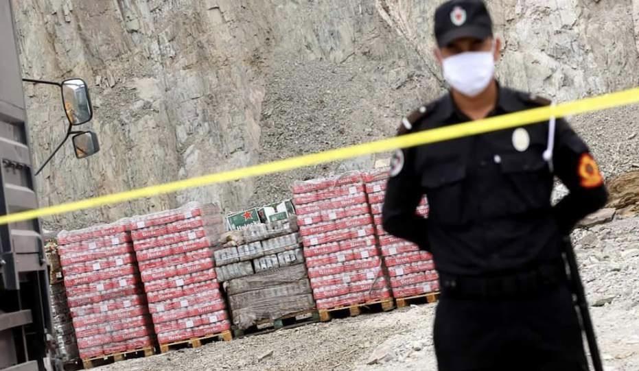 صورة أكادير | مداهمة مستودع حوَّلَ نشاطه من مواد التنظيف إلى بيع الخمور بالجملة