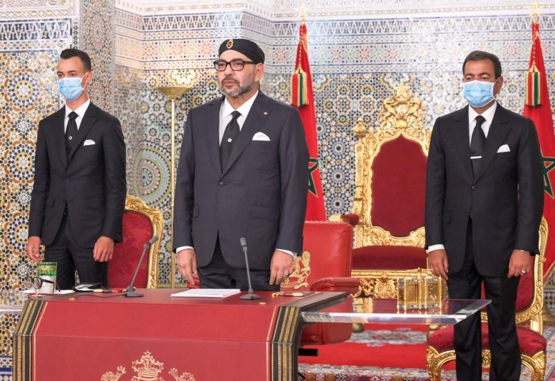 صورة الملك يفتتح البرلمان من القصر