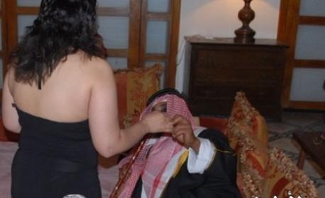 """صورة """"غادي نوريك المغربيات علاش قادات"""" .. فيديوهات جنسية تقود لتفكيك شبكة دولية لتهجير الفتيات إلى الخليج"""