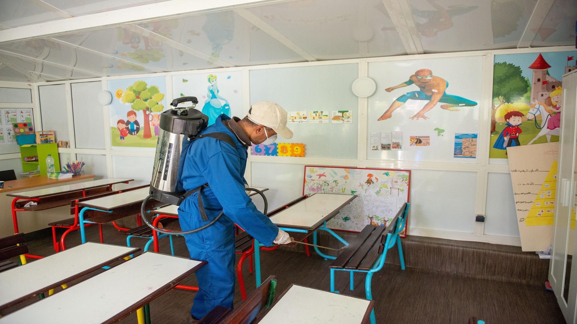 """صورة وزارتا الصحة و التعليم تتوعدان المؤسسات التعليمية التي لا تحترم تدابير الوقاية من كورونا بـ """"الإغلاق الفوري"""""""