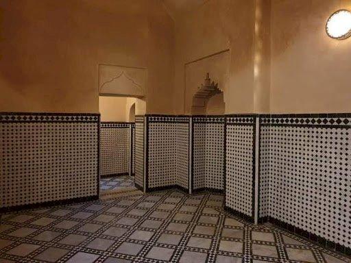 صورة سلطات إنزكان تعيد إغلاق الحمامات ومراكز التجميل