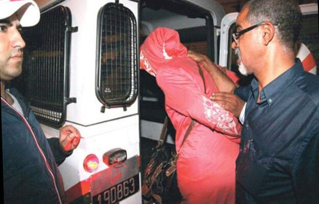 """صورة صور وفيديوهات جنسية لابتزاز """"ميسورين"""" بأولاد تايمة يقود متزوجة للإعتقال"""