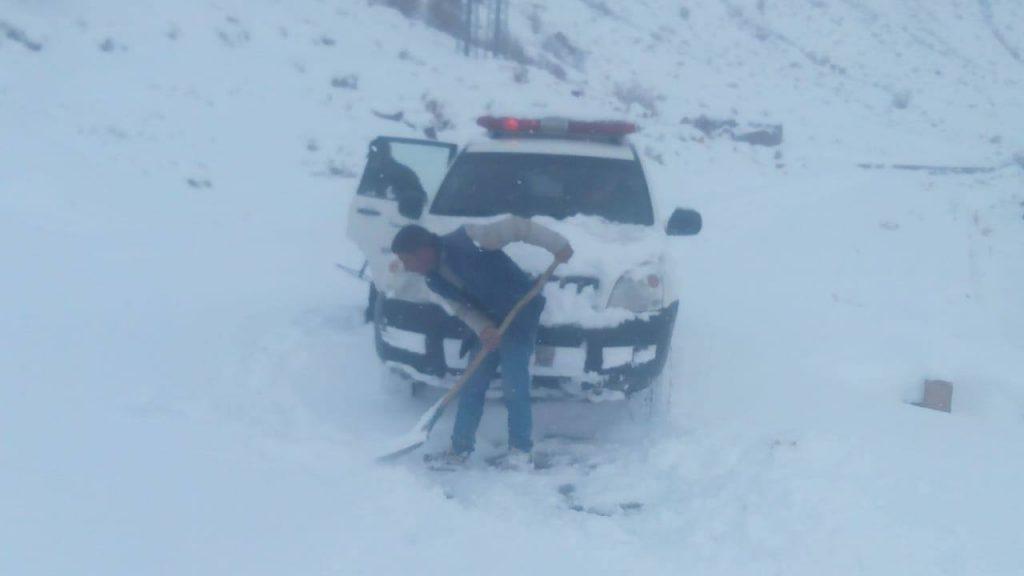 صورة وفاة سيدة بعد الولادة والثلوج أعاقت نقلها للمستشفى
