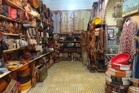 صورة أحكام قضائية بالإفراغ لأصحاب محلات بازارات الصناعة التقليدية بأكادير