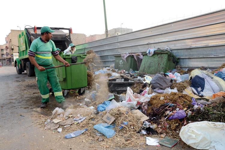 صورة مطالب بإدراج عمال النظافة ضمن الفئات الأولى المستهدفة بلقاح كورونا