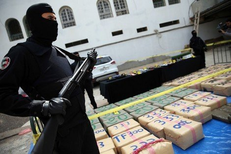 صورة زاكورة   حجز طن و350 كلغ من مخدر الشيرا