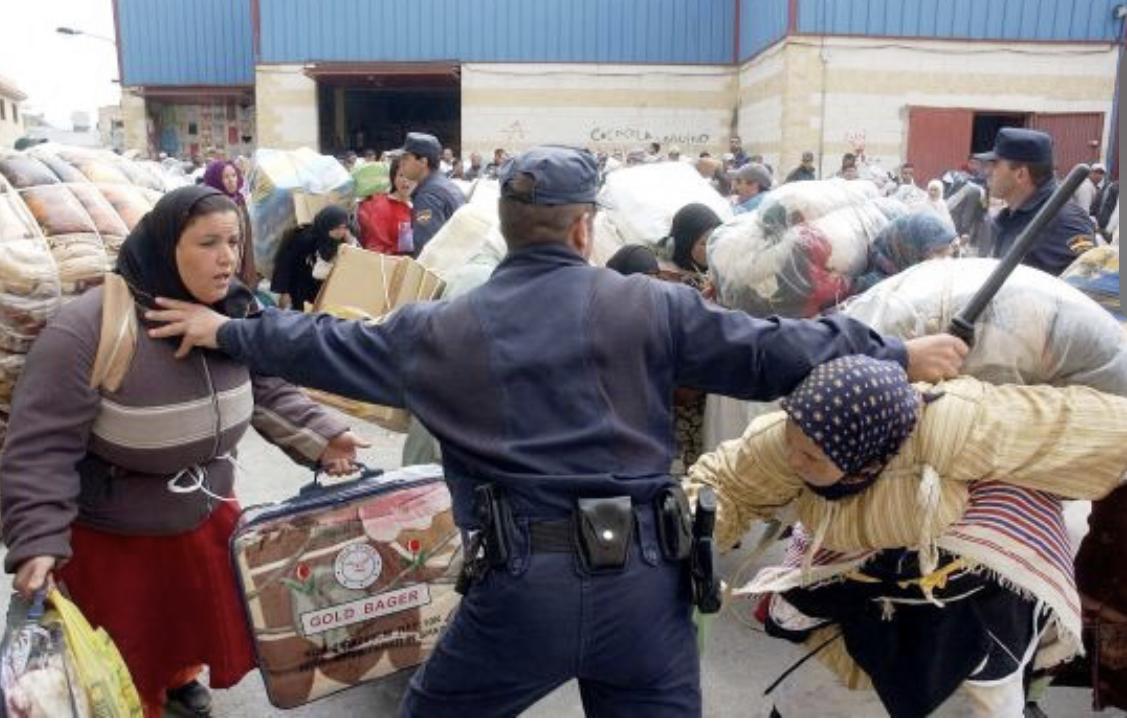صورة إبرام عقود عمل لإدماج المتضررات من إغلاق معبر باب سبتة
