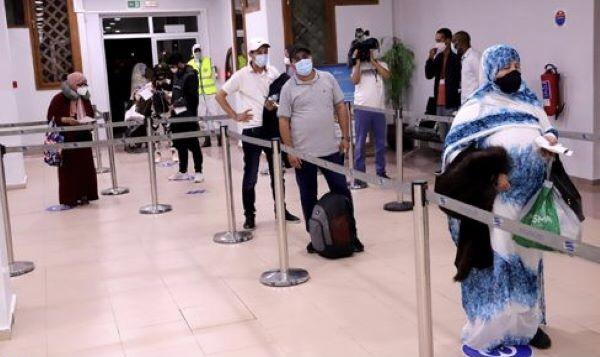 """صورة """"تحليلة كورونا """" مزورة تقود شخصين للإعتقال بمطار العيون"""