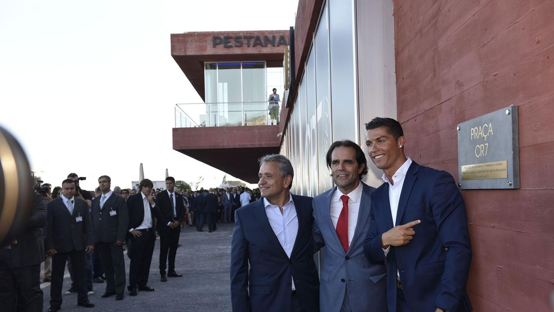 صورة رونالدو يحل بالمغرب لافتتاح فندقه بمراكش .. وهذا سعر الليلة