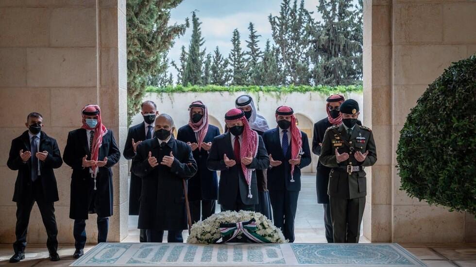 صورة أول ظهور للأمير حمزة رفقة ملك الاردن بعد الأزمة