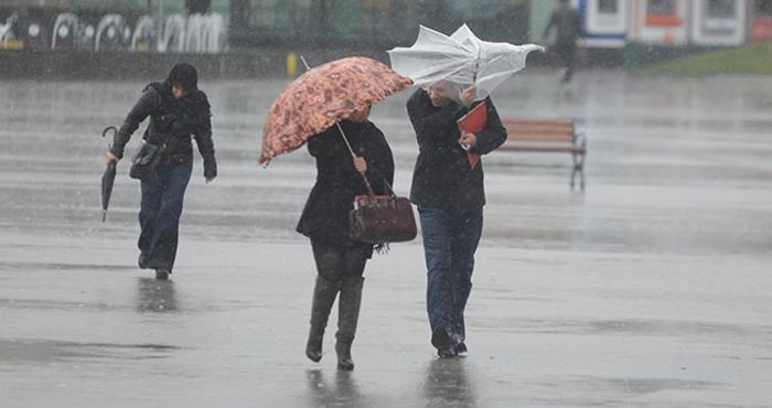 صورة أمطار قوية و رياح عاتية اليوم الاثنين وغدا الثلاثاء في هذه المناطق