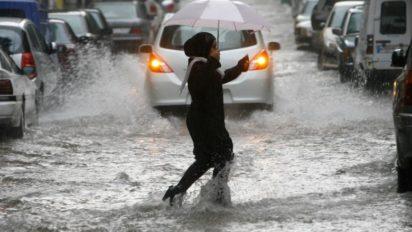 صورة أمطار رعدية قوية اليوم الجمعة وغدا السبت بعدد من أقاليم المملكة