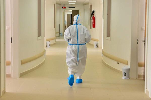 صورة الممرضون وتقنيو الصحة يشلّون مستشفيات المملكة لأربعة أيام