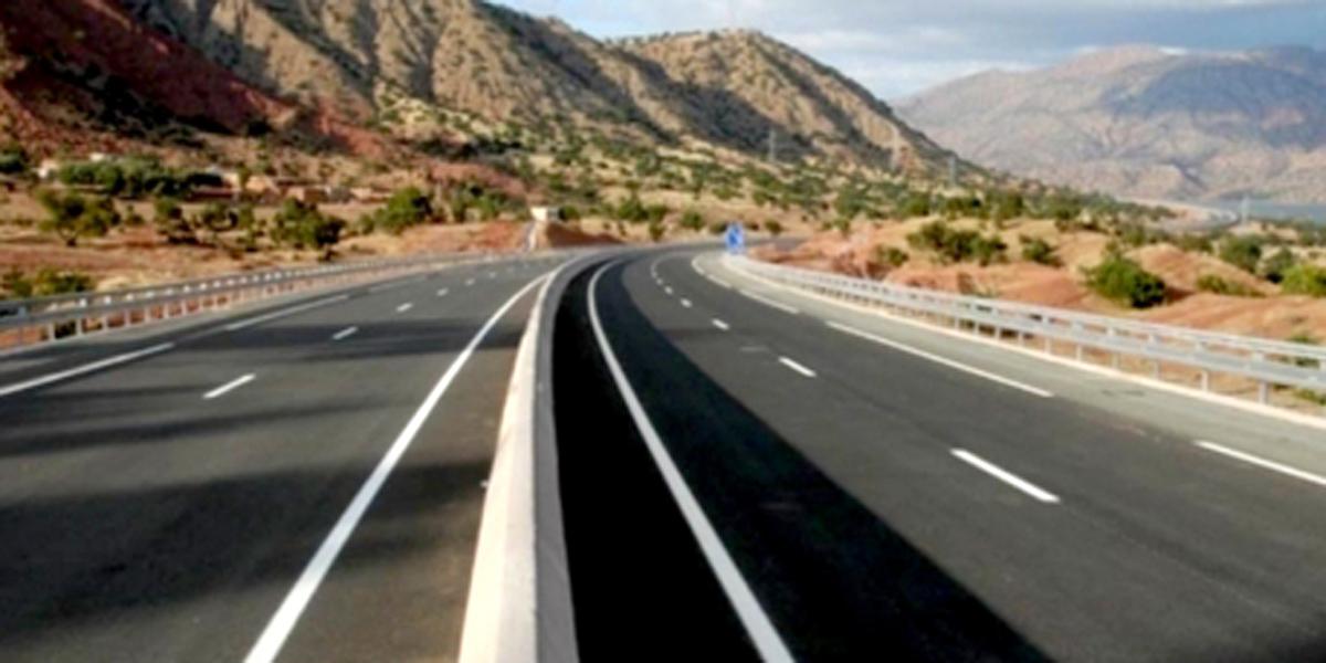 صورة اعمارة: نسبة إنجاز الأشغال بالطريق السريع تيزنيت- الداخلة بلغت 43 في المائة