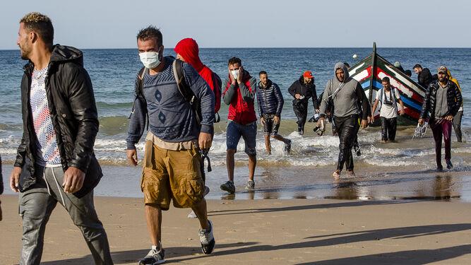 صورة محكمة جزر الكناري تسمح للمهاجرين السريين المغاربة بالسفر إلى إسبانيا بالجواز المغربي