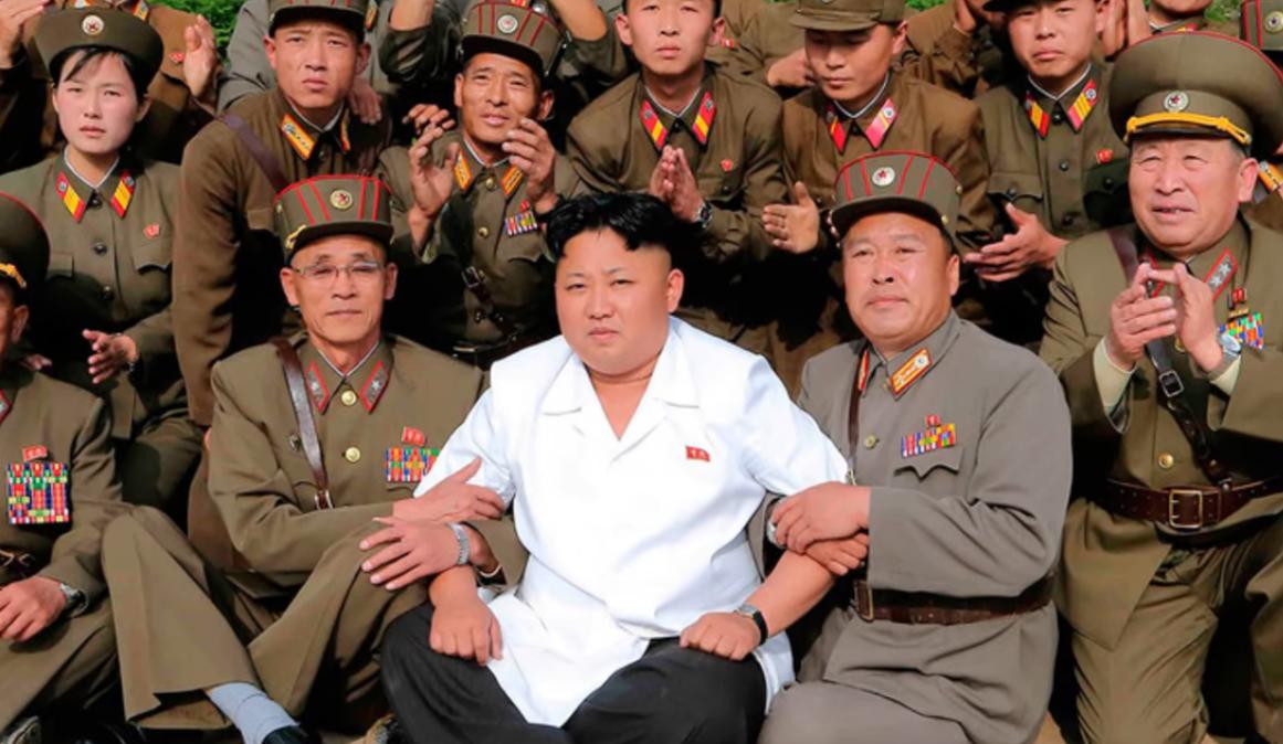 """صورة زعيم كوريا الشمالية يعدم رجلا بسبب """"كارط ميموار"""" فيها موسيقى"""