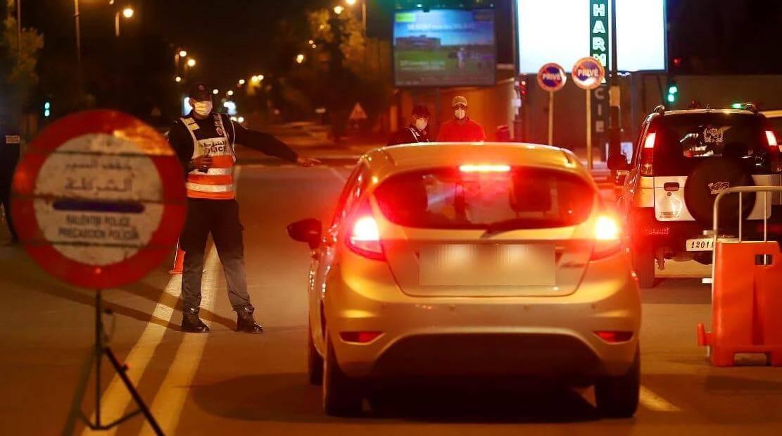 """صورة اعتقال دركي بسبب حيازة الكوكاين و""""القرقوبي """" في حاجز أمني بطنجة"""