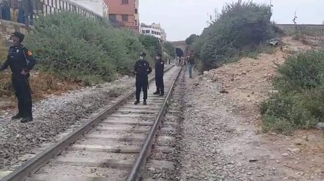 صورة ماذا يجري في أسفي .. العثور على جثة مفصولة الرأس ملقاة بالسكة الحديدية