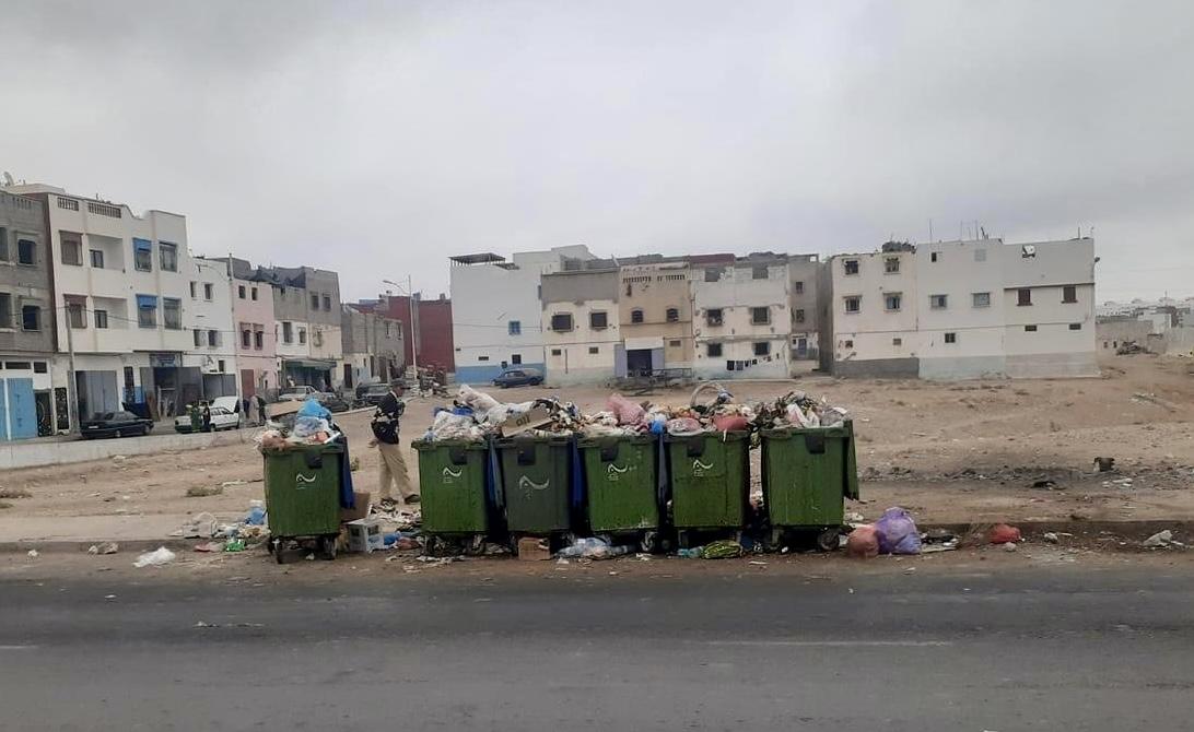 صورة أكادير غارقة في الأزبال
