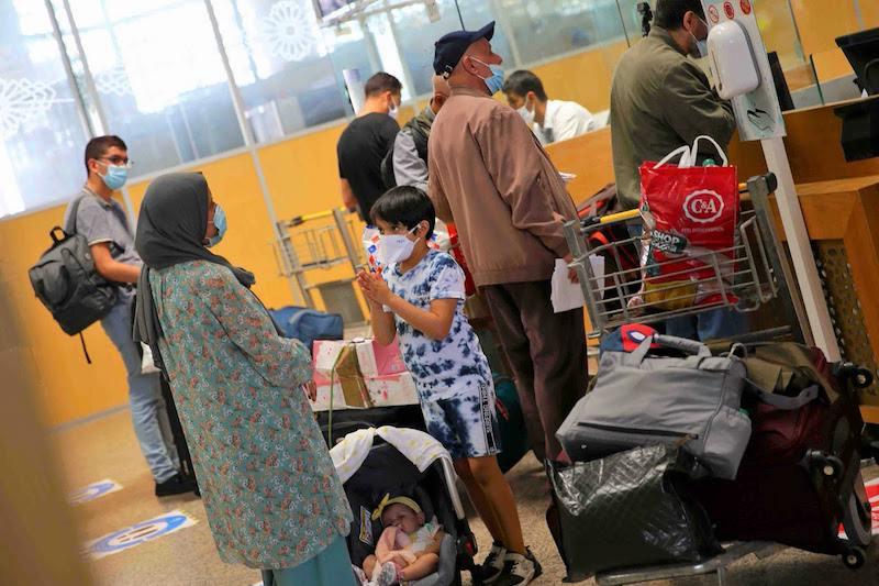 """صورة بعد التدخل الملكي .. """"لارام"""" تسجّل 120 ألف حجز في اليوم الأول من مبادرة تسهيل تنقل مغاربة الخارج"""
