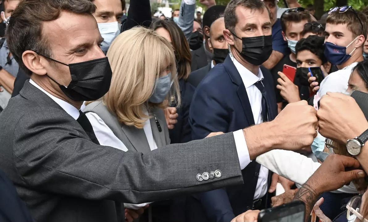 صورة السجن 18 شهرا في حق الرجل الذي صفع الرئيس الفرنسي ماكرون