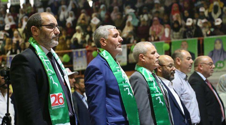 صورة إسلاميو الجزائر يؤكدون فوزهم بالانتخابات و السلطة تنفي