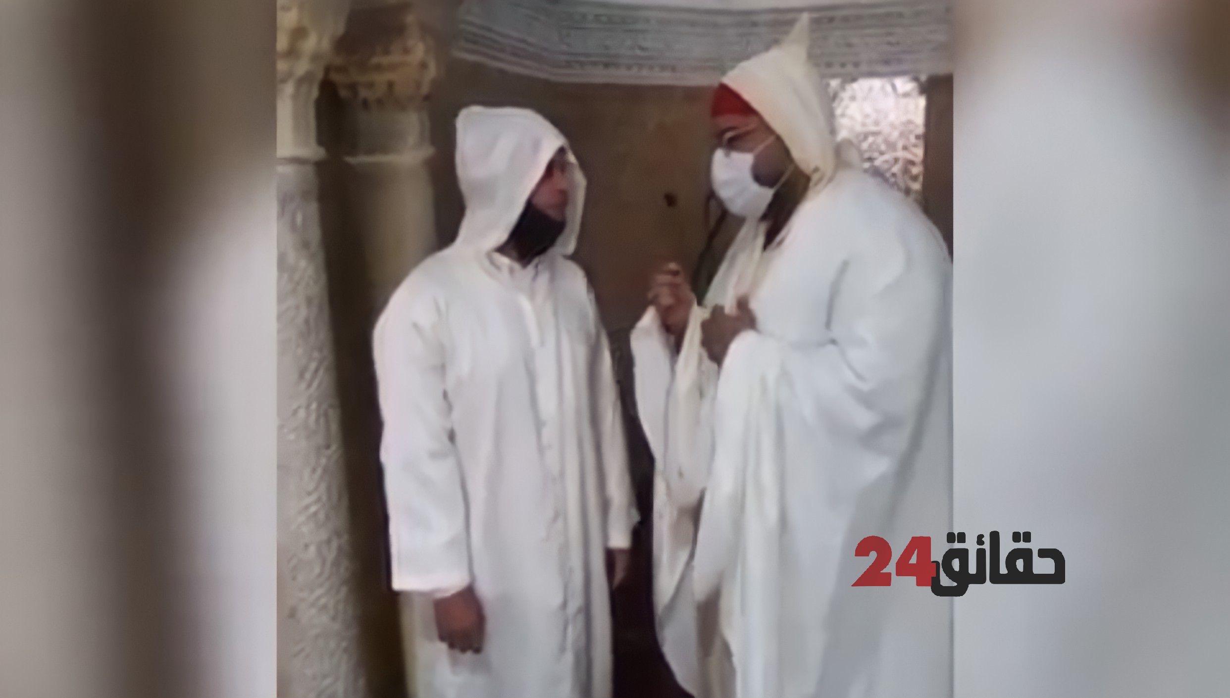 صورة فرنسي يعلن إسلامه بجامع الشرفا بمراكش