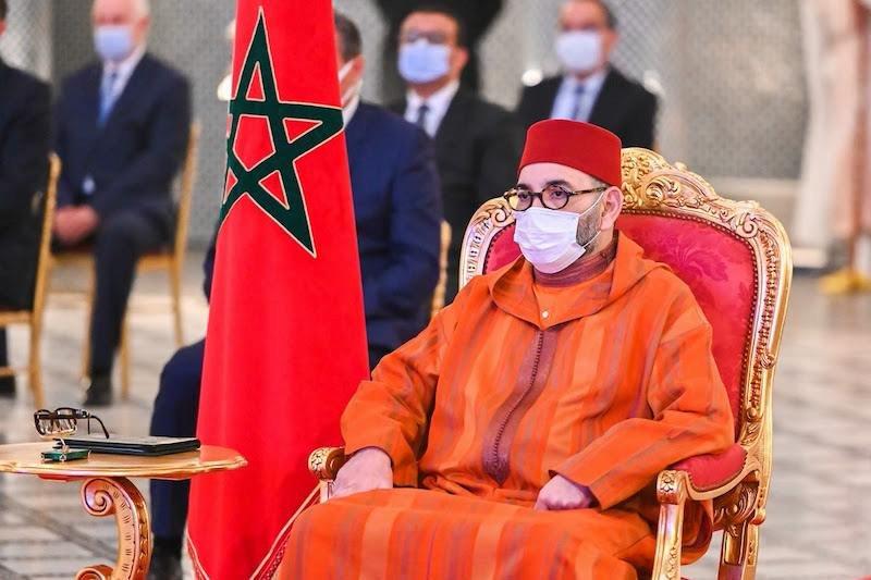 صورة الملك يعطي تعليماته لإرسال مساعدة طبية عاجلة لتونس