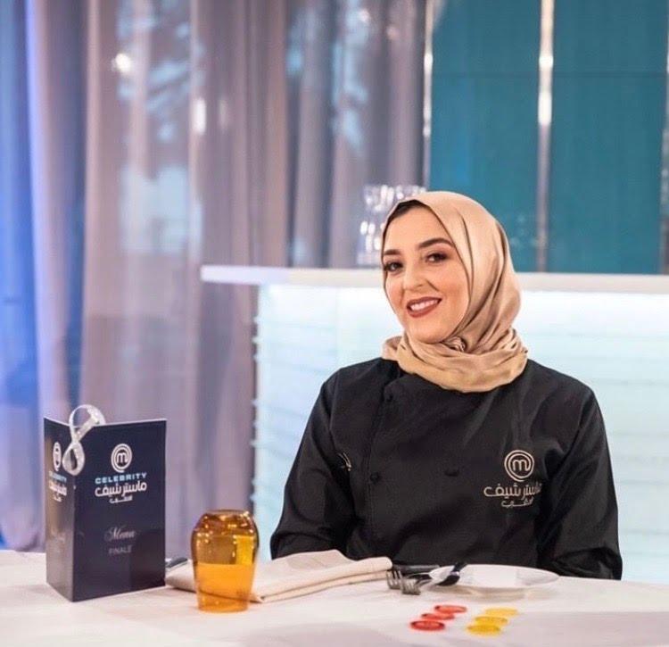 """صورة بسبب حجابها .. منع الفائزة بلقب """"ماستر شاف"""" المغرب من الدخول إلى مطعم"""