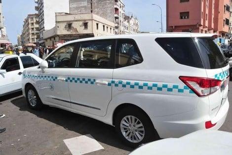 صورة سحب رخصة الثقة و حجز السيارة  .. عقوبات قاسية تنتظر سائقي الطاكسيات المخالفين لقرار نقل 3 أشخاص