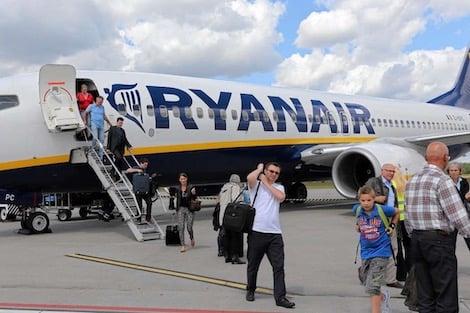 """صورة 219 درهم  سعر تذكرة طيران """"رايان إير"""" من المغرب نحو دول أوروبية"""