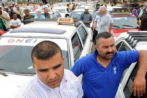 صورة مهنيو سيارات الأجرة يرفضون تقليص عدد الركاب
