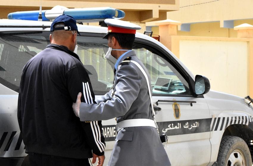 صورة اعتقال عريس وفرار المدعوين