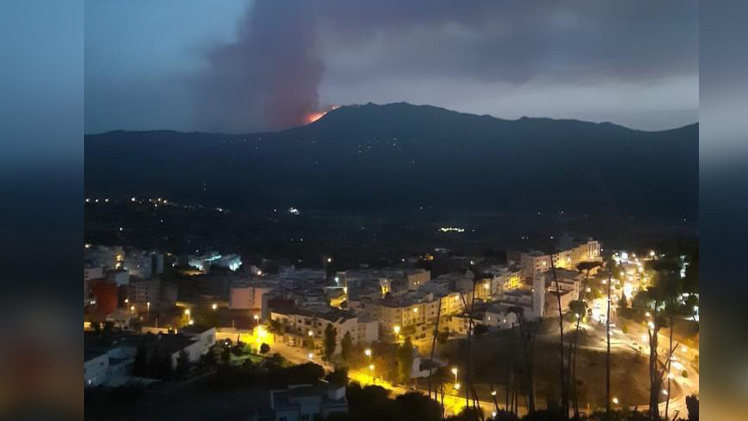 """صورة من جديد .. اندلاع حريق في منطقة الغابات بإقليم """"شفشاون"""""""